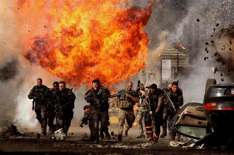 Les hommes du Colonel Lennox (Josh Duhamel) et de Robert Epps (Tyrese Gibson) dans le feu de l'action