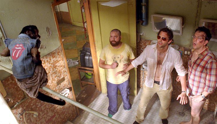 Alan (Zach Galifianakis), Phil (Bradley Cooper) et Stu (Ed Helms) ont un nouveau compagnon de chambre...