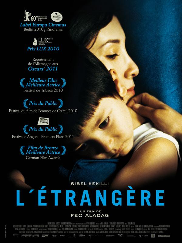 """Affiche du film """"L'étrangère"""""""