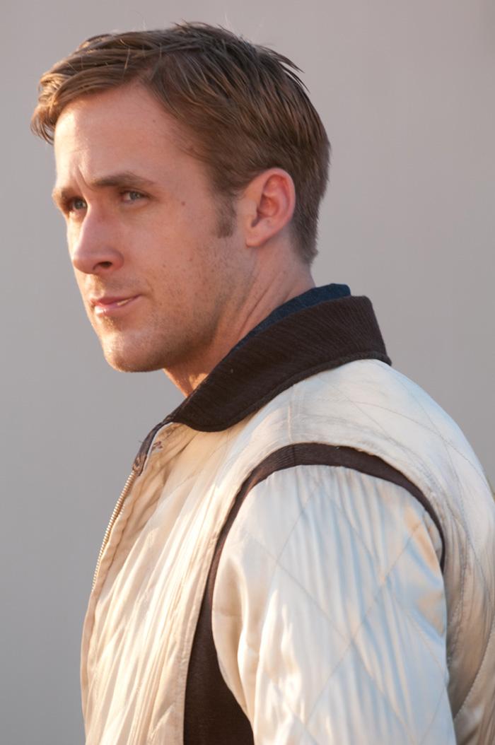 Le Chauffeur (Ryan Gosling), personnage froid, discret et peu bavard...