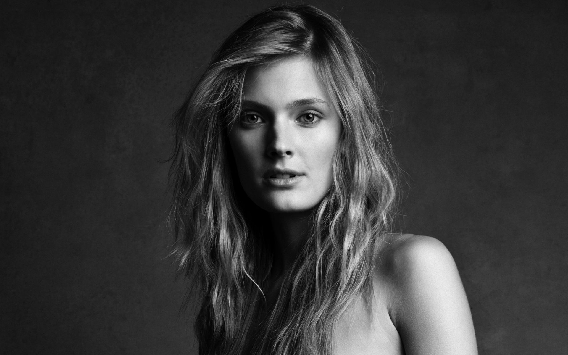 Burberry Wallpaper Iphone X Constance Jablonski Full Hd Wallpaper And Background Image