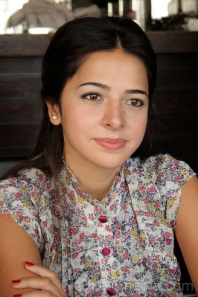 شاهد بالصور الممثلة السورية التي تشبه دنيا سمير غانم