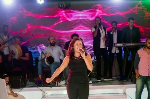 ياسمين نيازي تتألق في أول ظهور لها بعد الأزمة دنيا الوطن