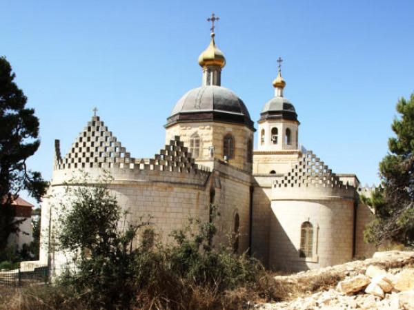 المطران حنا: العقارات الأرثوذكسية في باب الخليل تتعرض لكارثة وشيكة