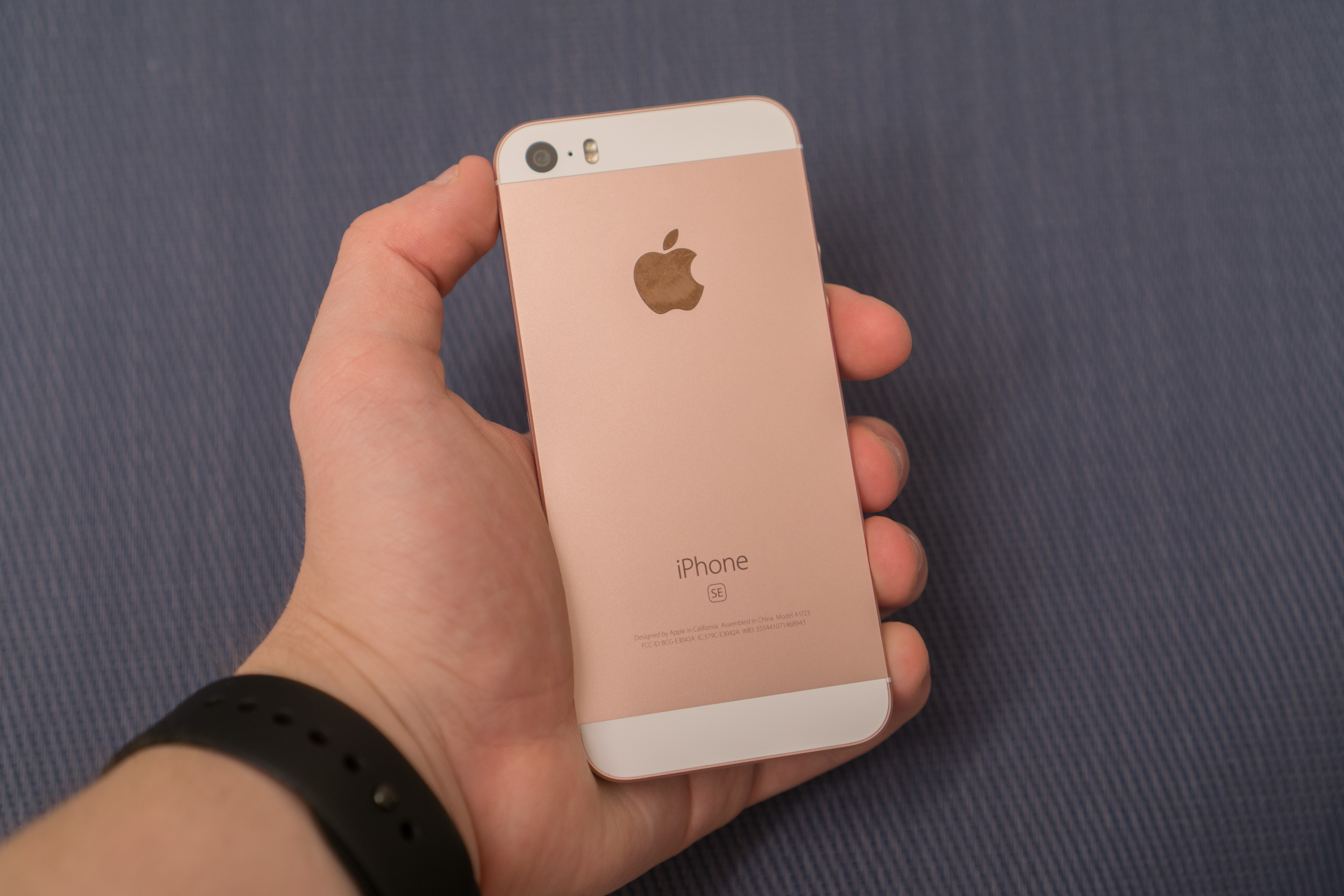 The Iphone Se Review