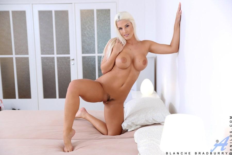 Anilos.com - Blanche Bradburry: Bombshell Babe