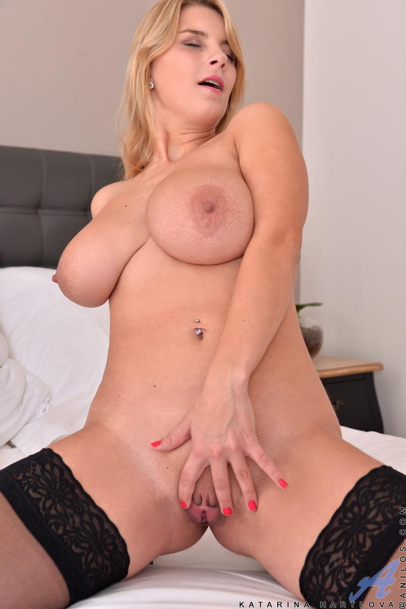 Anilos.com - Katarina Hartlova: Hot Mama