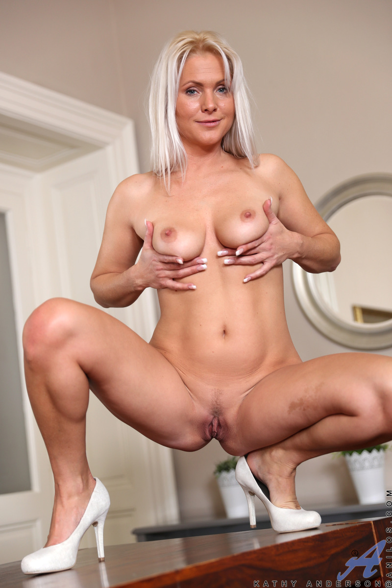 Anilos.com - Kathy Anderson: Stunning Beauty
