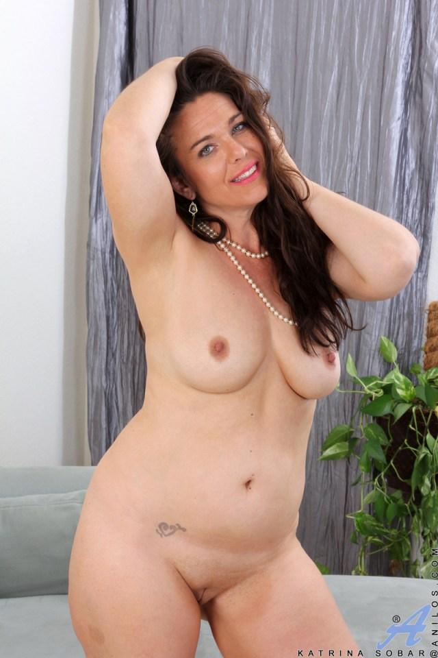 Anilos.com - Katrina Sobar: Creamy Katrina