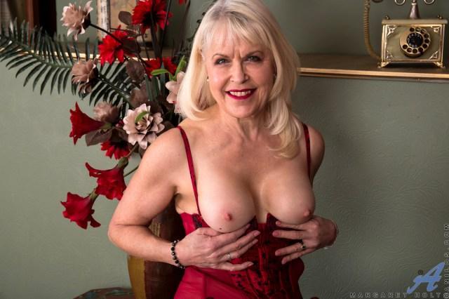 Anilos.com - Margaret Holt: My Secret