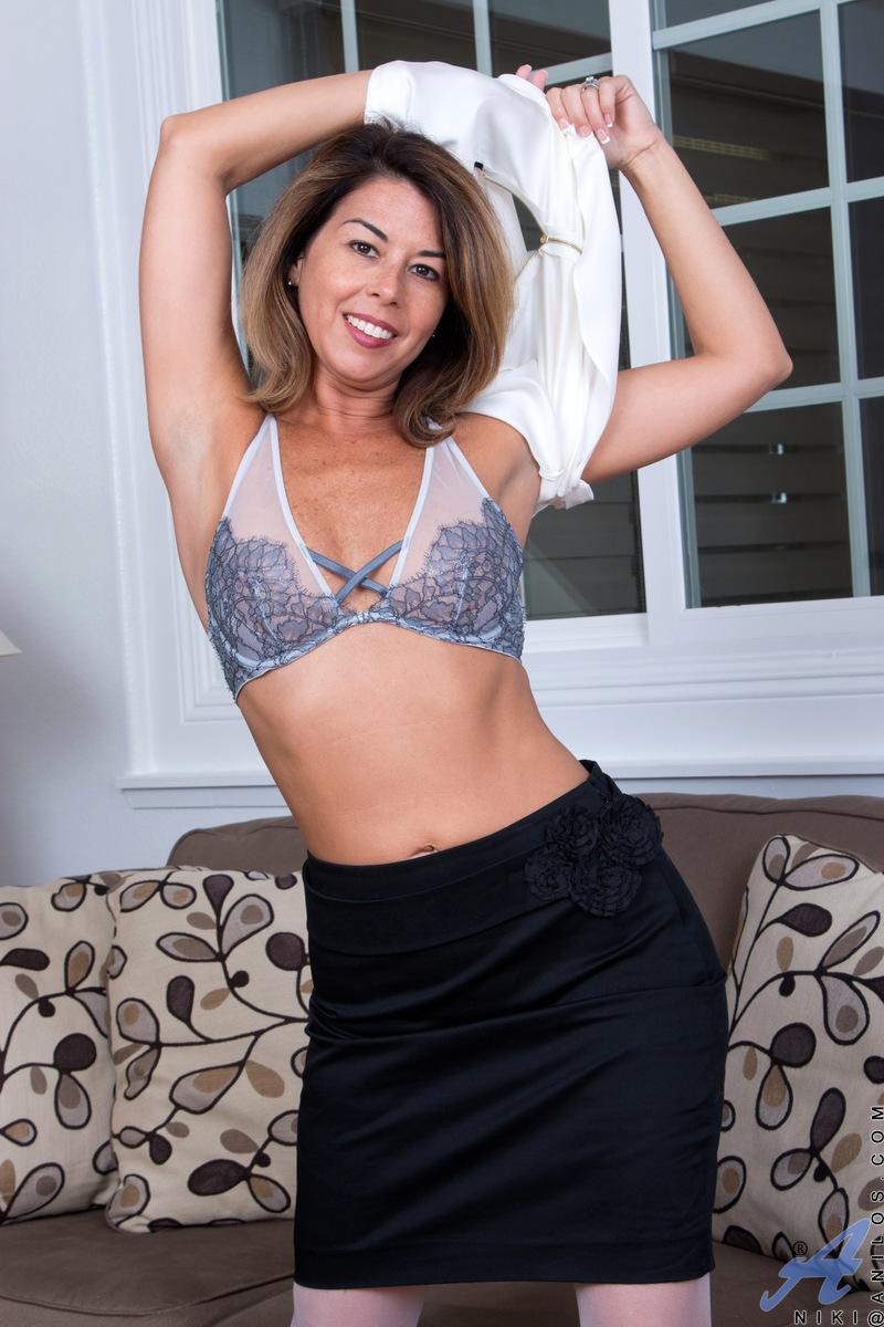 Anilos.com - Niki: Naughty Niki