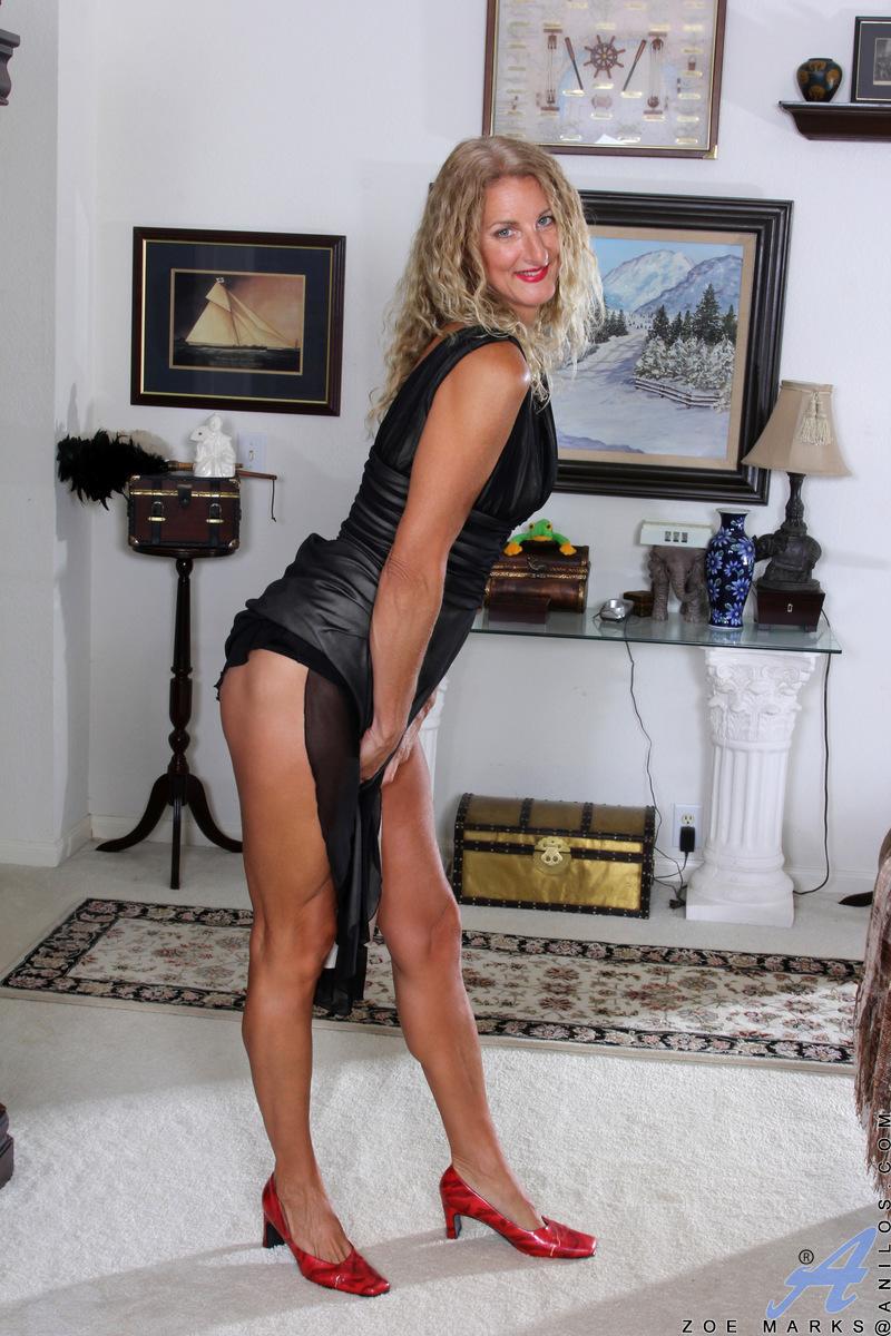 Anilos.com - Zoe Marks: Blonde Tease