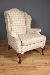 Walnut Queen Anne Style Wing Chair - Antiques Atlas