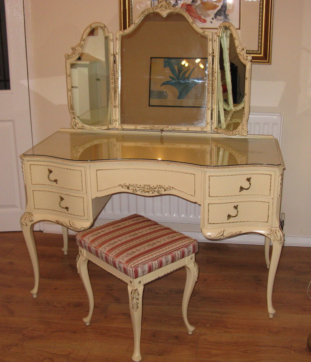 Antiques Atlas Louis Dressing Table Amp Stool