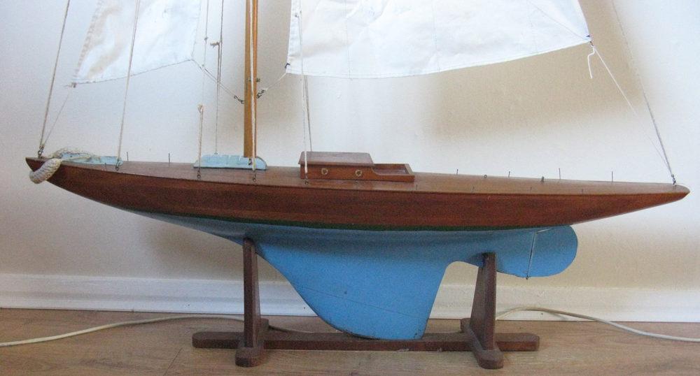 antique pond yachts