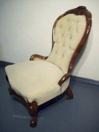 Superb Victorian Walnut Nursing Chair - Antiques Atlas