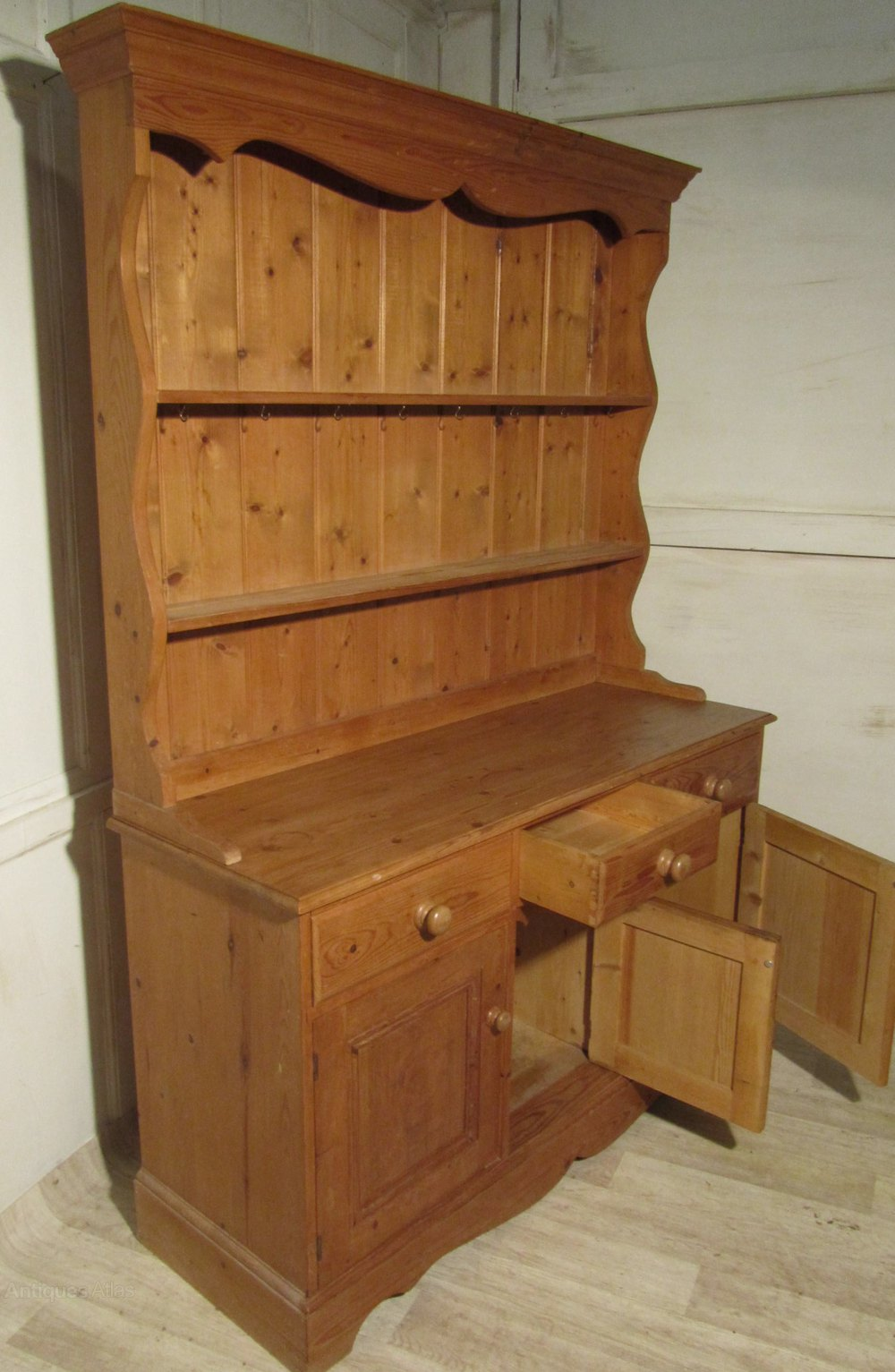 Antiques Atlas  Pine Farmhouse Welsh Dresser