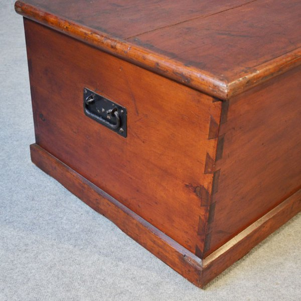 Victorian Coffee Table Trunk Chest