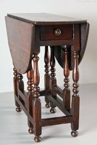 Small 18th Century Oak Gateleg Table - Antiques Atlas