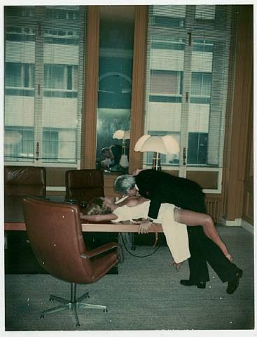 Office love, 1976