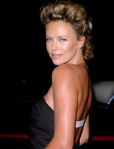 Charlize Theron top wallpapers 2009