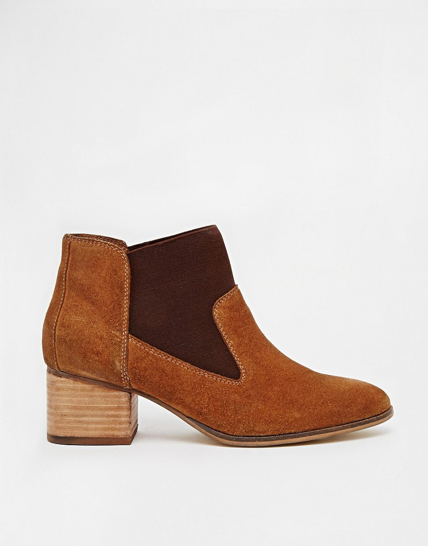 Image 2 of ASOS REEMA Pointed Chelsea Leather Ankle Boots