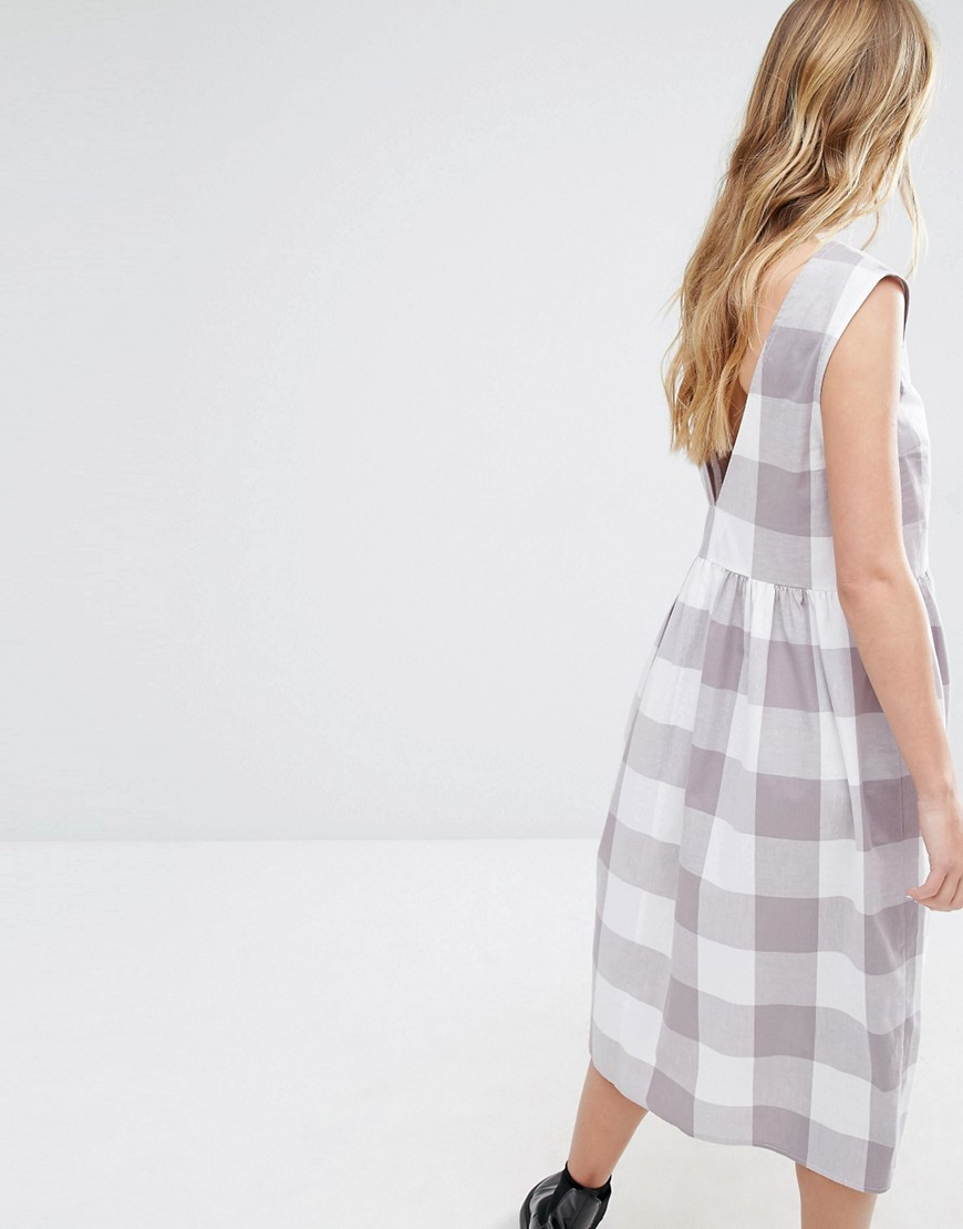 Image 2 ofReclaimed Vintage Sleeveless Smock Midi Dress