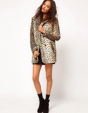 Imagen 4 de Abrigo de leopardo con botones en la parte delantera de ASOS