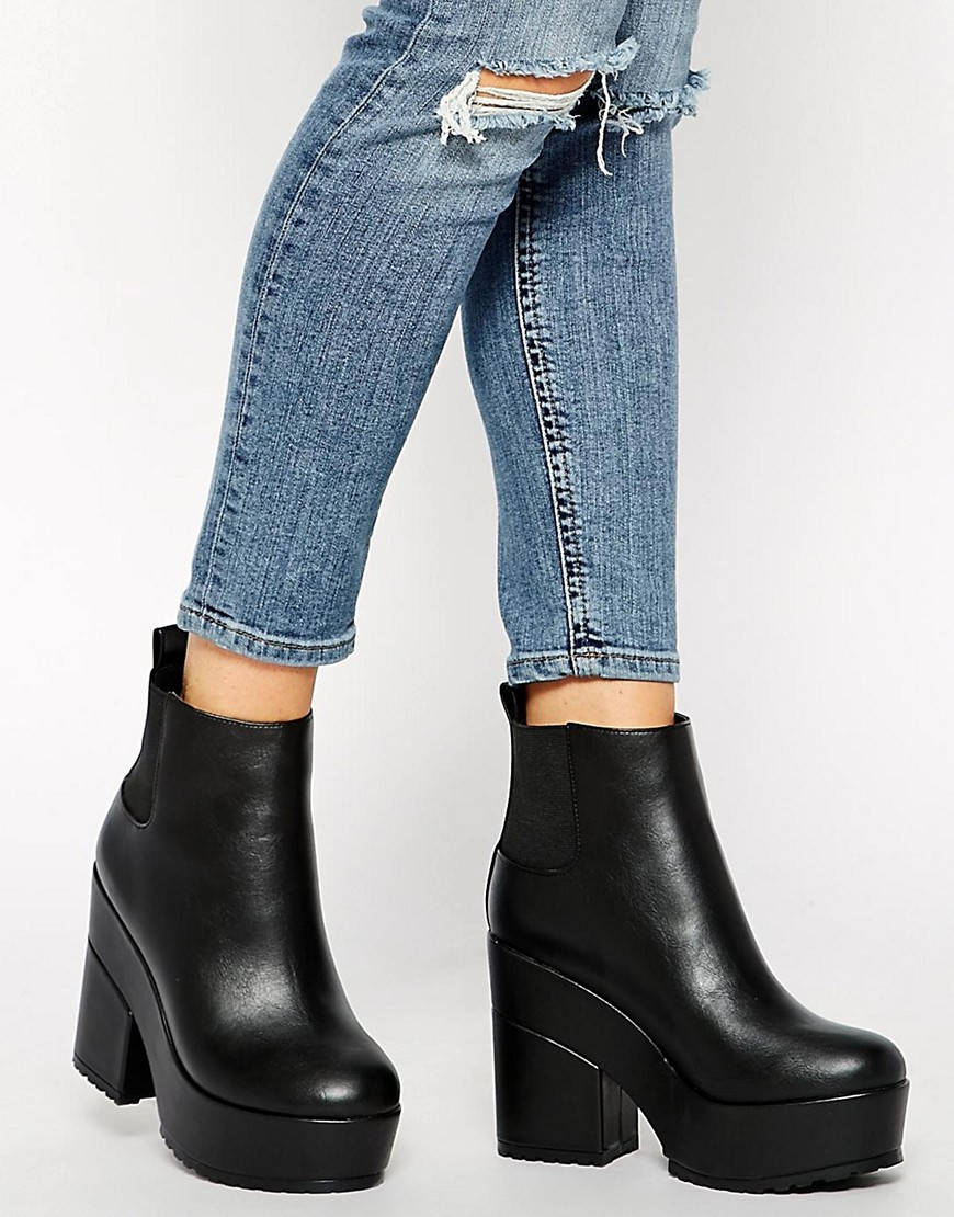 Bild 1 von ASOS – EASY TARGET – Chelsea-Ankle Boots