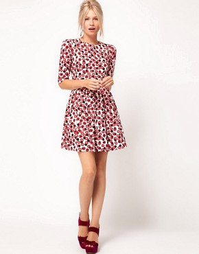 Image 4 of ASOS Skater Dress With Kiss Print