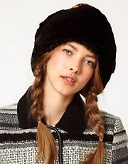Blanche in the Brambles Exclusive To ASOS Pom Head Cosy
