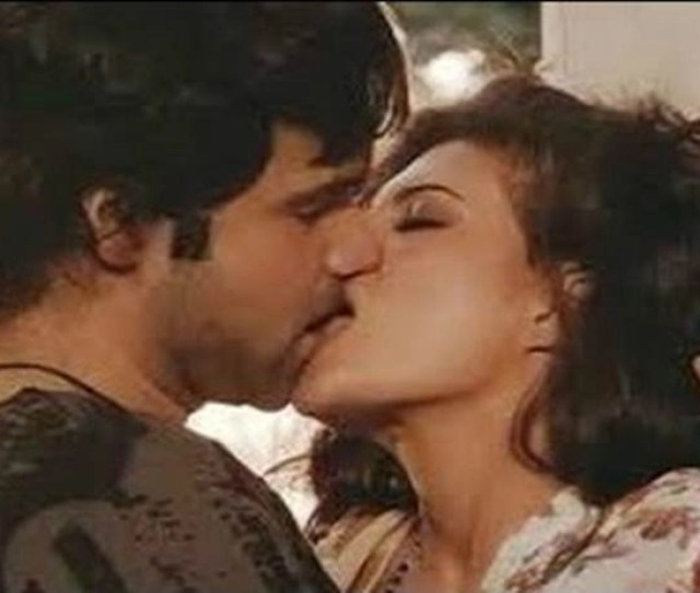 Extremely Hot Kisses Of Bollywood Actresses From Anushka Sharma To Aishwarya Rai Bachchan