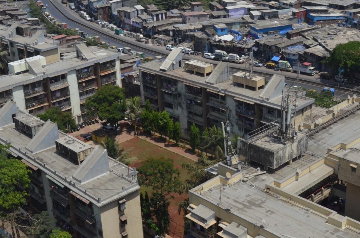 corona zones in mumbai