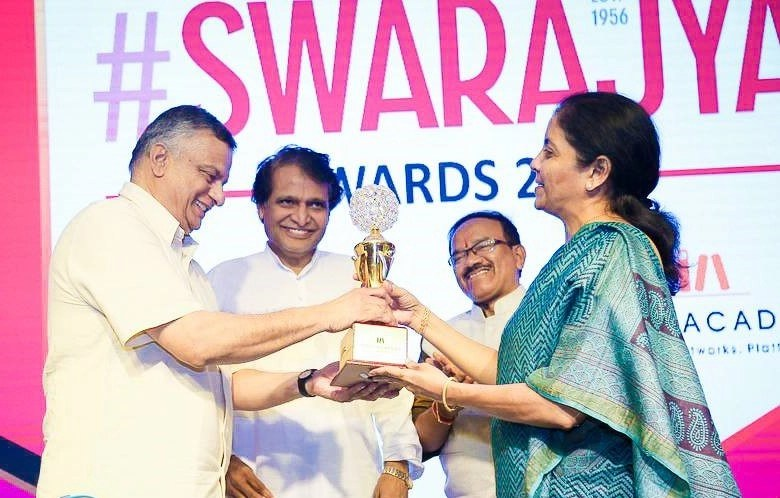 T C A Srinivasa-Raghavan accepting his award