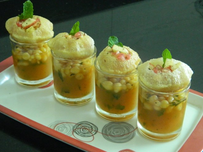 "Aussie chef Adam D'Sylva transformed the pani puri on his visit to India. (Photo Courtesy: <a href=""https://www.youtube.com/watch?v=u9gss3pp_ko"" data-recalc-dims="