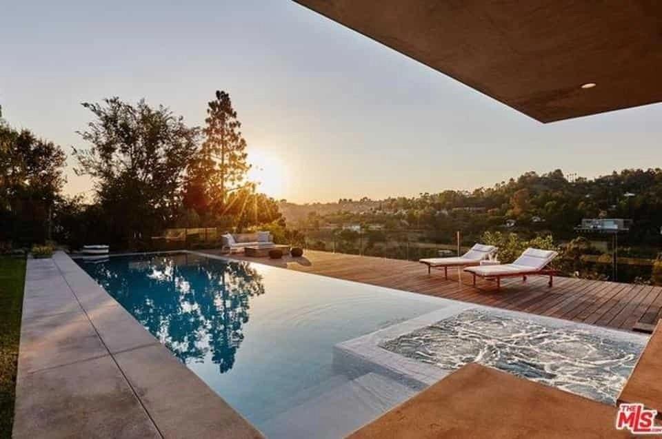 Nick Jonas' Beverly Hills mansion