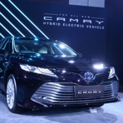 All New Camry India Launch Brand Toyota Nigeria Launches Hybrid At Rs 36 95 Lakh In Delhi Masakazu Yoshimura Managing Director Of Kirloskar With