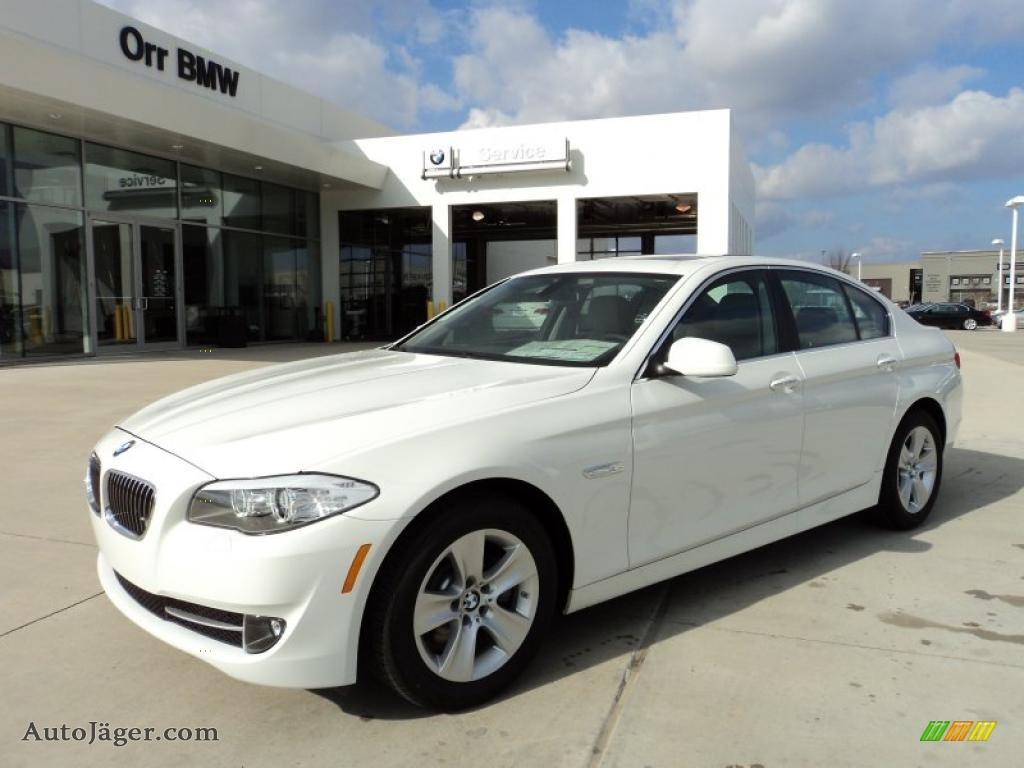 hight resolution of alpine white everest gray bmw 5 series 528i sedan