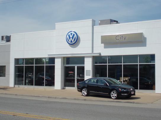 The Autobarn City Volkswagen  Chicago, Il 60641 Car