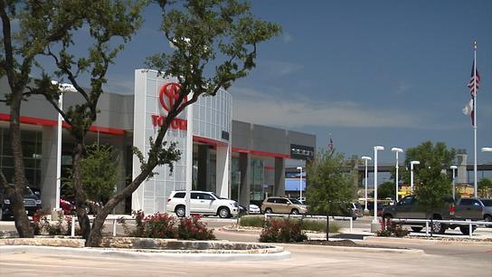 Alamo Toyota Car Dealership In San Antonio Tx 78232