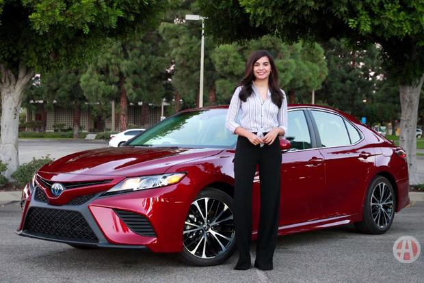 all new camry hybrid 2018 ertiga vs grand veloz toyota 5 reasons to buy video autotrader featured image large thumb1