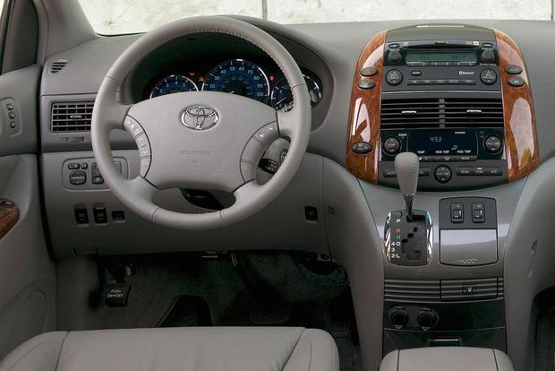 20052010 Honda Odyssey vs 20042010 Toyota Sienna Which