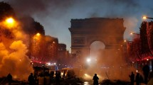 Riots Champs-lyses French Protest Fuel Taxes
