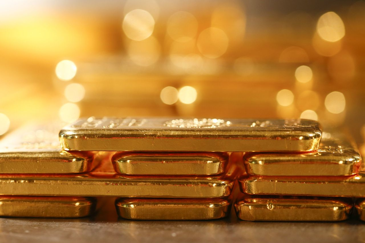 barrick gold stock rises