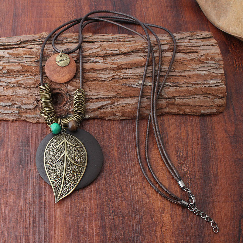 Vintage Handmade Beading Leaf Pendant Neckalce