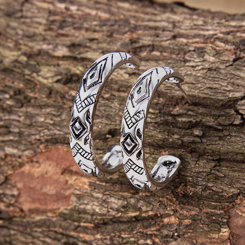 Geometric Totem Carved Maxi C-Shaped Alloy Earrings