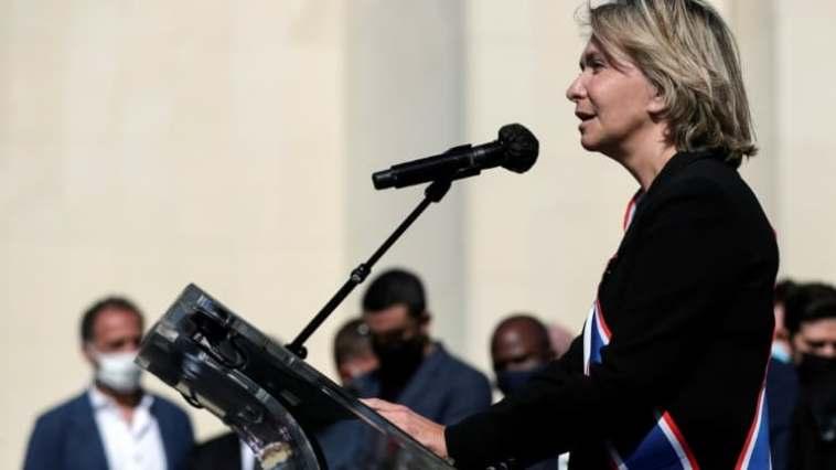 à Paris, Valérie Pécresse présente une liste de rassemblement