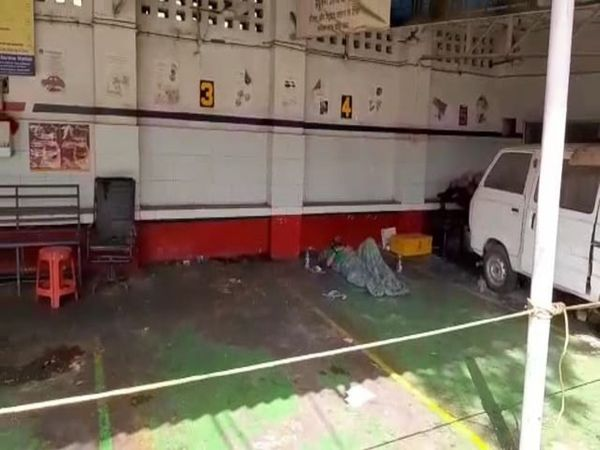 In Lucknow, the administration isolated a man at a petrol pump.