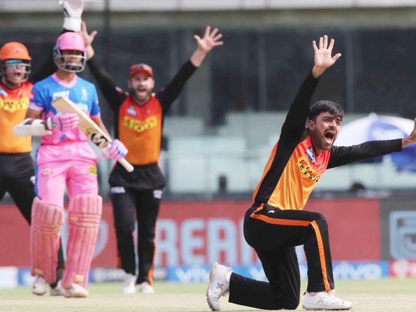 राशिद खान ने राजस्थान को पहला झटका दिया। उन्होंने यशस्वी को LBW किया। यशस्वी 12 रन ही बना सके।
