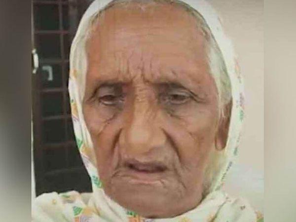 पंजाब पुलिस के शहीद ASI भगवान सिंह की मां तेज कौर।